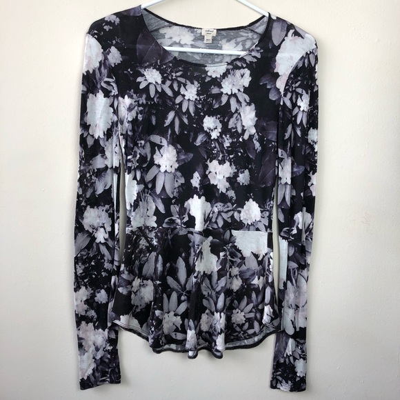 Wilfred Aritzia Size XS Floral Long Sleeve Shirt